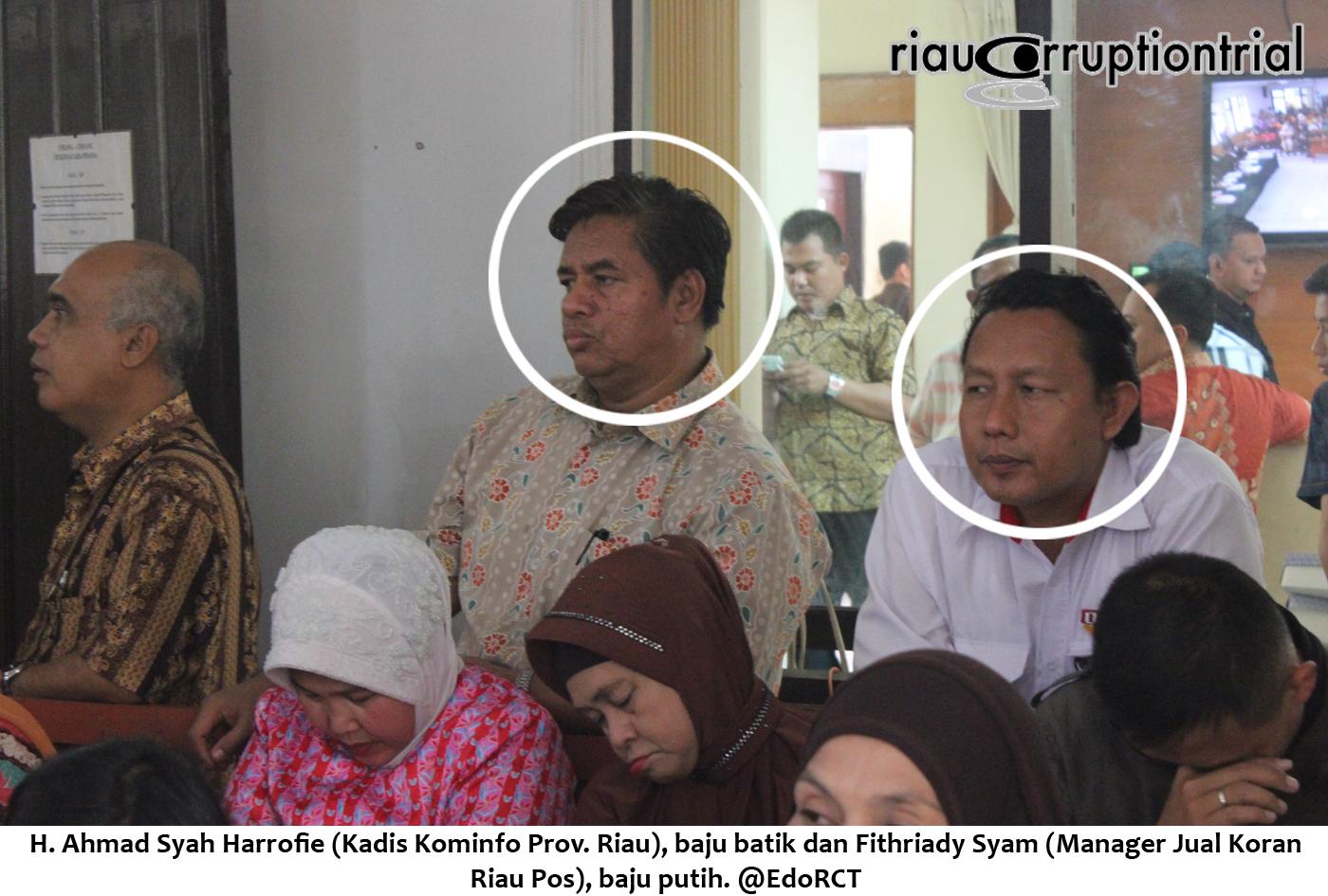 Kadis Kominfo dan manager jual koran riau pos hadir saat sidang RZ