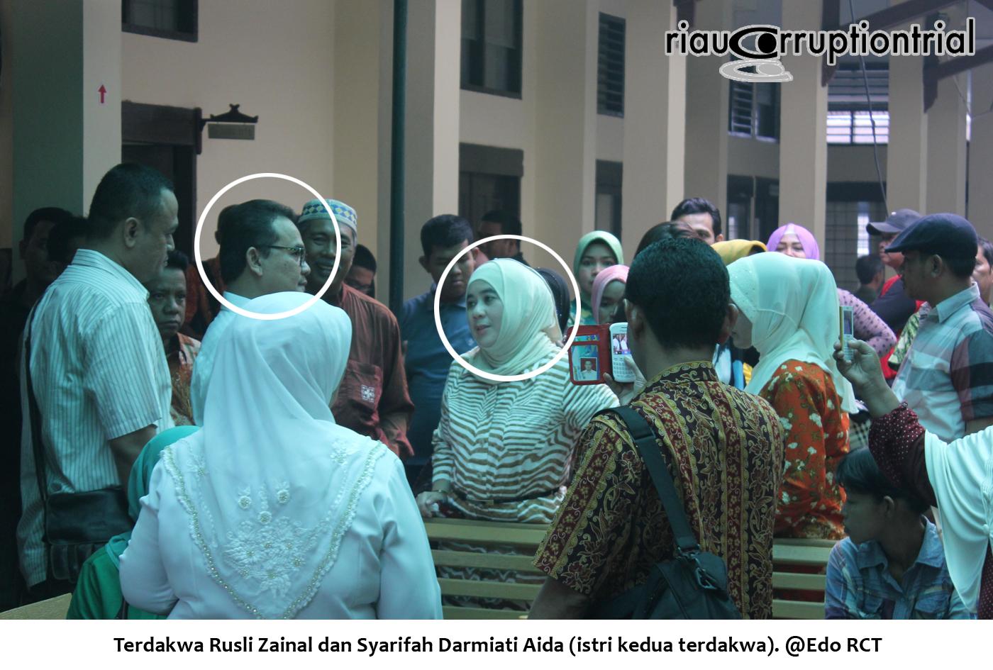 Terdakwa RZ dan Istri kedua terdakwa