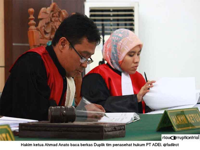 hakim acmad1