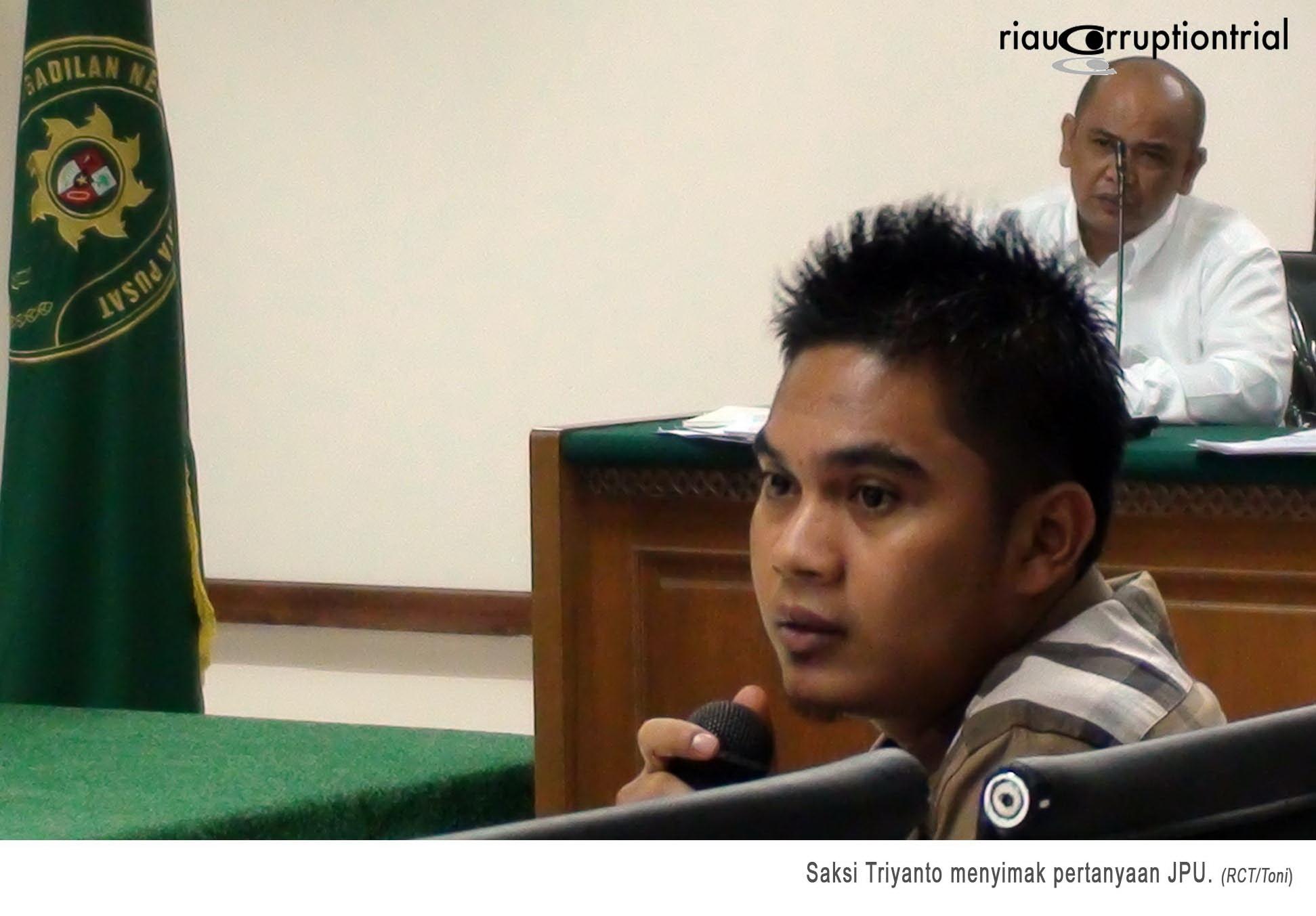 08 Saksi Triyanto 22 Desember 2014