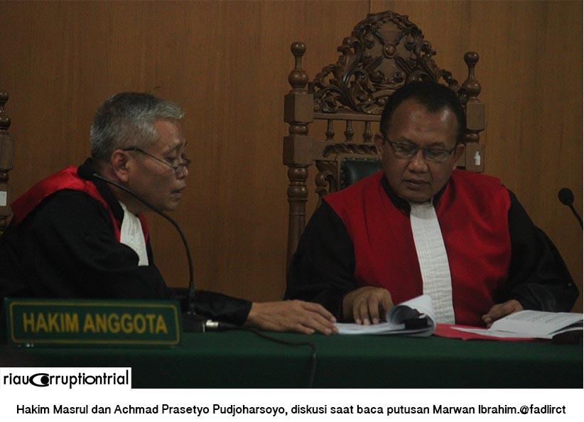 hakim diskusi