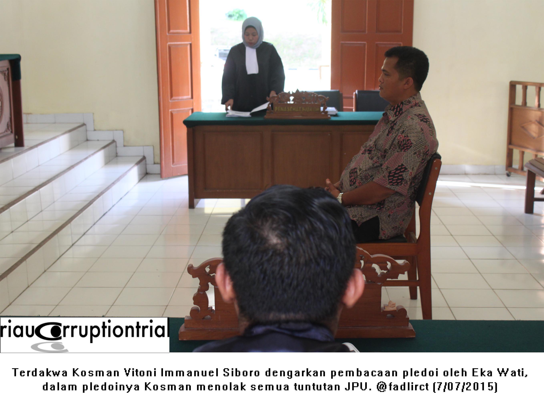 terdakwa dengarkan pledoi 7 juli 2015