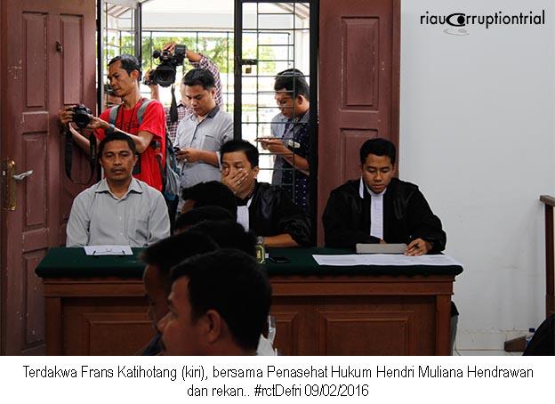 Terdakwa dan PH 9 Feb 2016