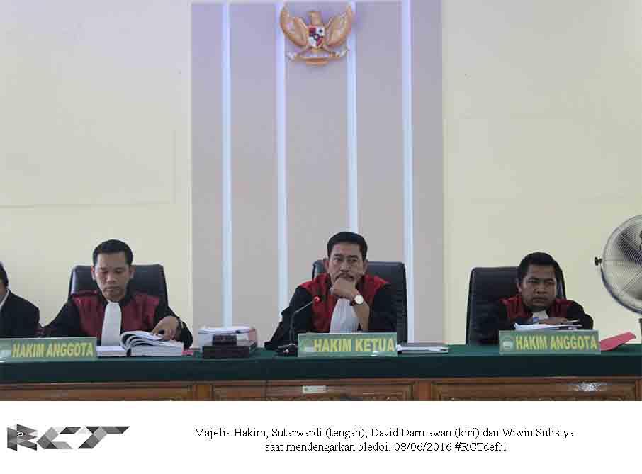 Majelis Hakim 8Juni2016