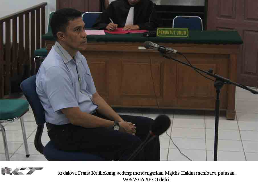 terdakwa Frans Katihokang 9Juni2016